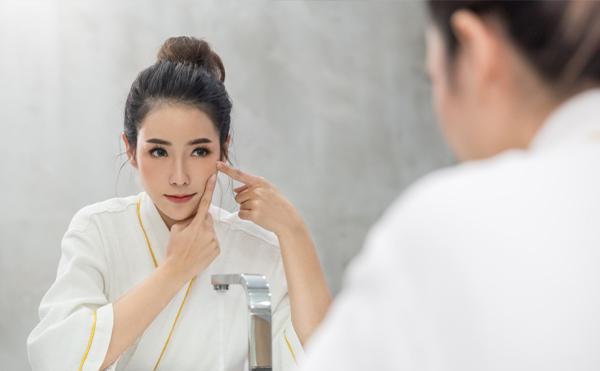 肌荒れは化粧水のつけすぎが原因?肌への ...